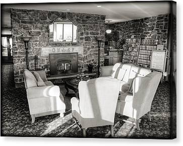Queen Wilhelmina Lodge Canvas Print by Ricky Barnard