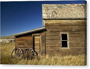 Ranchers House In Prairie Semi-ghost Canvas Print by Pete Ryan