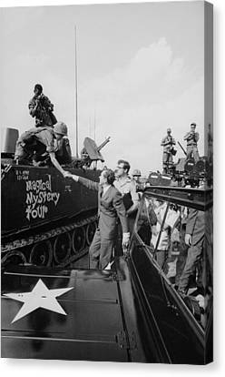 Richard Nixon Shaking Hands With Armed Canvas Print by Everett