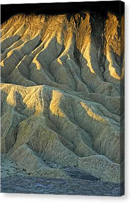Rock Formations At Death Valley Canvas Print by Dave Mills
