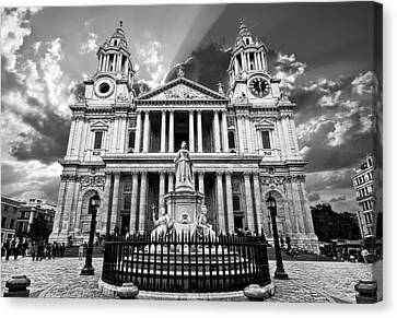 Saint Paul's Cathedral Canvas Print by Meirion Matthias