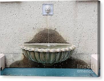 San Francisco Crocker Galleria Roof Garden Fountain - 5d17894 Canvas Print by Wingsdomain Art and Photography