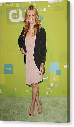Sarah Michelle Gellar Wearing A Rebecca Canvas Print by Everett