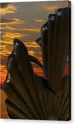 Scallop Sunrise Canvas Print by Darren Burroughs
