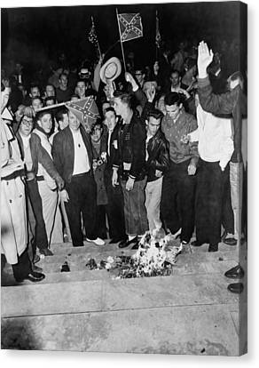 Segregationist Protest. White Students Canvas Print by Everett
