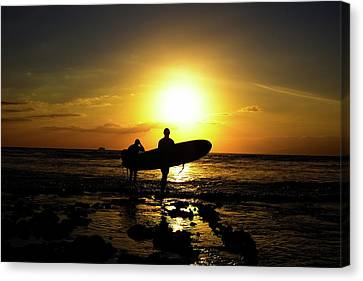 Silhouette Surfers Canvas Print by Rolfo