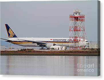 Singapore Airlines Jet Airplane At San Francisco International Airport Sfo . 7d12140 Canvas Print by Wingsdomain Art and Photography