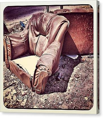 Sofa #instagramers #instamood #instahub Canvas Print by Styledeouf ®