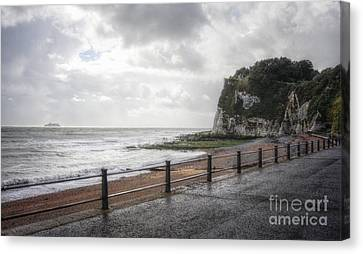 St Margarets Bay Canvas Print by Lee-Anne Rafferty-Evans