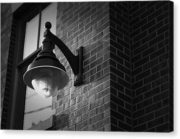Streetlamp Canvas Print by Eric Gendron