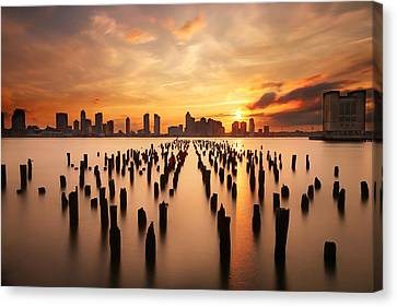 Sunset Over The Hudson River Canvas Print by Larry Marshall
