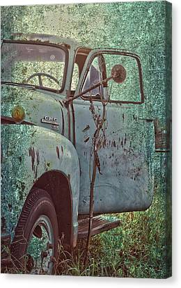 Tailgate Date  Canvas Print by Jerry Cordeiro