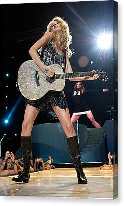 Taylor Swift On Stage For Taylor Swift Canvas Print by Everett