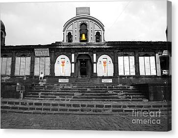 Temple At India Canvas Print by Sumit Mehndiratta