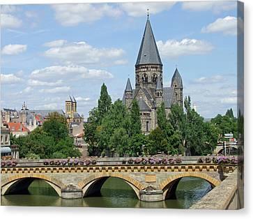 Temple Neuf De Metz Metz France Canvas Print by Joseph Hendrix