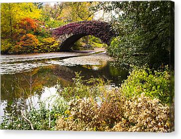 The Gapstow Bridge In Central Park In New York City Canvas Print by Ellie Teramoto
