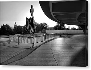 The Hirshhorn Museum II Canvas Print by Steven Ainsworth