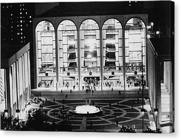 The Metropolitan Opera House, Lincoln Canvas Print by Everett