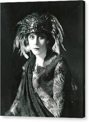 Theda Bara In The Broadway Show The Canvas Print by Everett