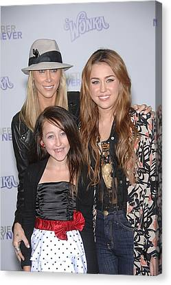 Tish Cyrus, Noah Cyrus, Miley Cyrus Canvas Print by Everett