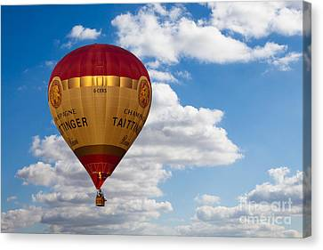 Up Up And Away Canvas Print by Pete Reynolds