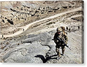 U.s. Army Soldiers And Afghan Border Canvas Print by Stocktrek Images