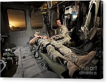 U.s. Army Specialist Practices Giving Canvas Print by Terry Moore