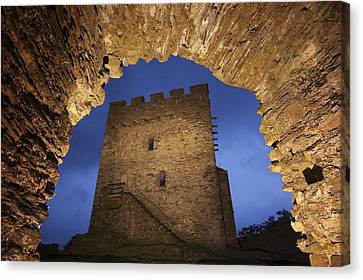 View Of Medieval Dolwyddelan Castle Canvas Print by Jim Richardson