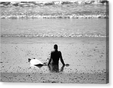 Waiting For The Wave Canvas Print by Zarija Pavikevik