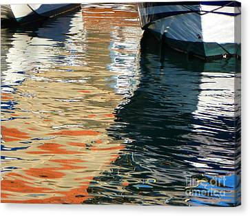 Water Ballet Canvas Print by Randy Sprout