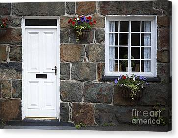 Welsh Cottage Detail Canvas Print by Jane Rix