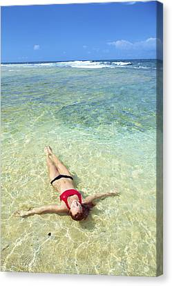 Woman In Clear Water Canvas Print by Kicka Witte