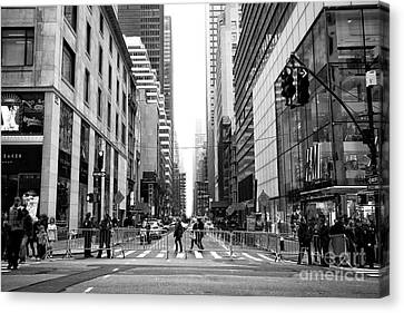 Across 5th Avenue In New York Canvas Print by John Rizzuto