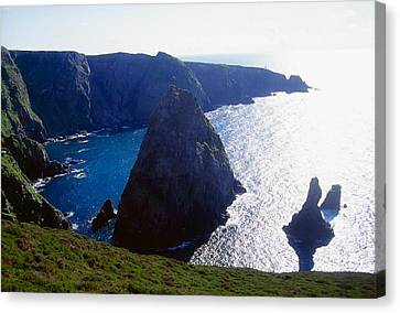 Arranmore Island, County Donegal Canvas Print by Gareth McCormack
