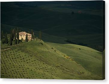 Belvedere House Canvas Print by Andrew Soundarajan
