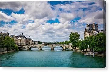 Le Pont Royal Canvas Print by Carlo Fazio