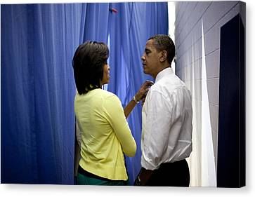 President Barack Obama And First Lady Canvas Print by Everett