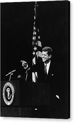 President Kennedy Pointing Canvas Print by Everett
