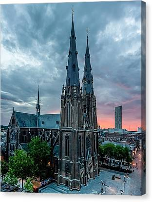 Saint Catherina Church In Eindhoven Canvas Print by Semmick Photo