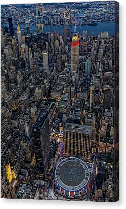 September 11 Nyc Tribute Canvas Print by Susan Candelario