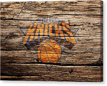 The New York Knicks 1b Canvas Print by Brian Reaves