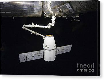 The Spacex Dragon Cargo Craft Prior Canvas Print by Stocktrek Images