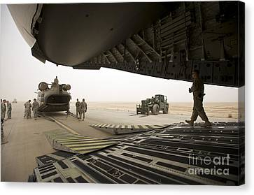 Tikrit, Iraq - A Ch-47 Chinook Canvas Print by Terry Moore