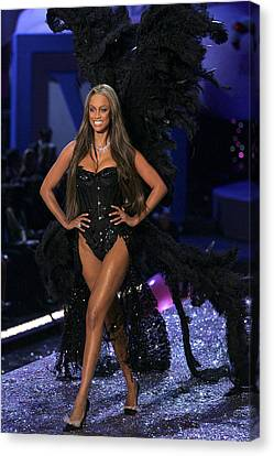 Tyra Banks Inside For The Victorias Canvas Print by Everett