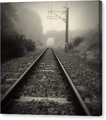 Railway Tracks Canvas Print by Les Cunliffe