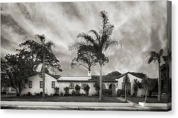 1926 Florida Venetian Style Home - 24 Canvas Print by Frank J Benz