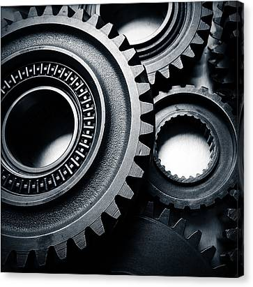 Cogs  Canvas Print by Les Cunliffe