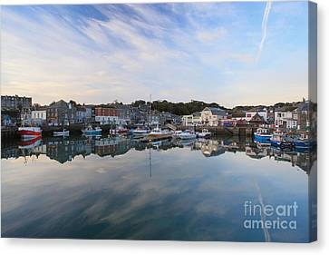 Padstow Canvas Print by Carl Whitfield