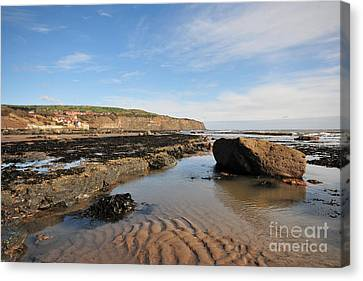 Robin Hoods Bay Canvas Print by Stephen Smith