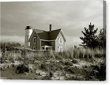 Sandy Neck Lighthouse Canvas Print by Charles Harden
